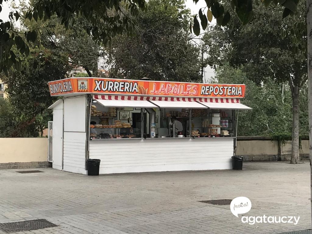w Barcelonie też zjesz dobre churros